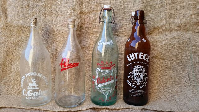 14 botellas antiguas
