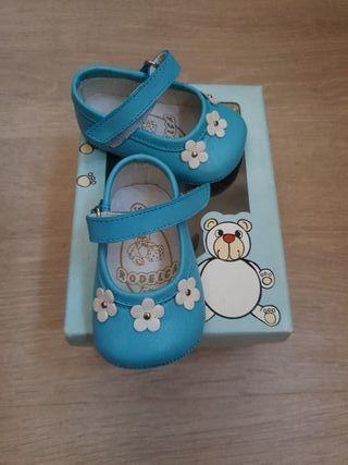 Zapato bebé número 15 sin estrenar