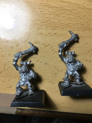 Warhammer Orcos Salvajes Metal