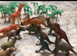 Lote dinos, animales y palmeras