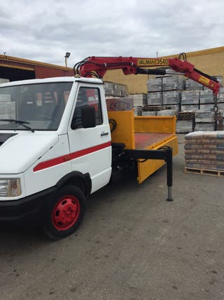 Camion Iveco Con grúa 3500kg
