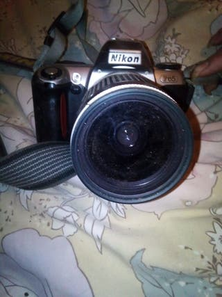 cámara Nikon profesional premsa