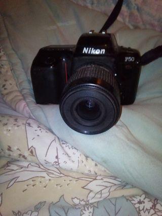 cámara fotos Nikon de profesional