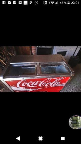 botelleros de coca cola