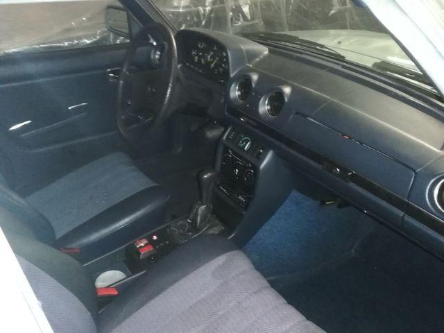 Mercedes-Benz w123 1980
