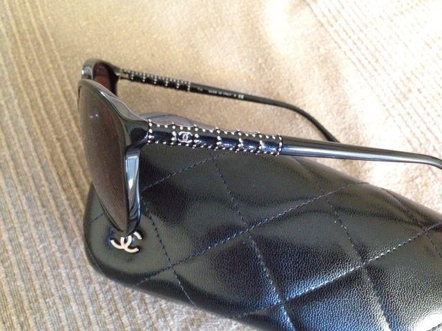cd984156e0 Gafas de sol Chanel de segunda mano por 95 € en Cervelló en WALLAPOP