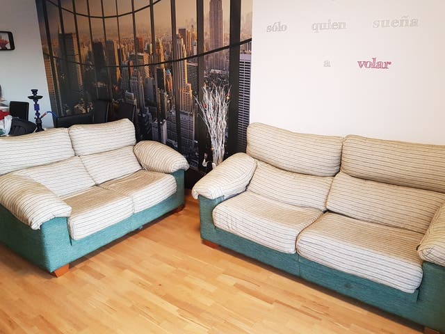 Sofa 3 2 Verde Aguamarina Beige De Segunda Mano Por 200 En Almeria