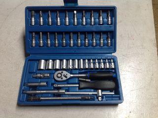 1114 Estuche de herramientas
