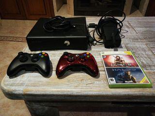 xbox 360 con dos mandos+1 juego +cable hdmi
