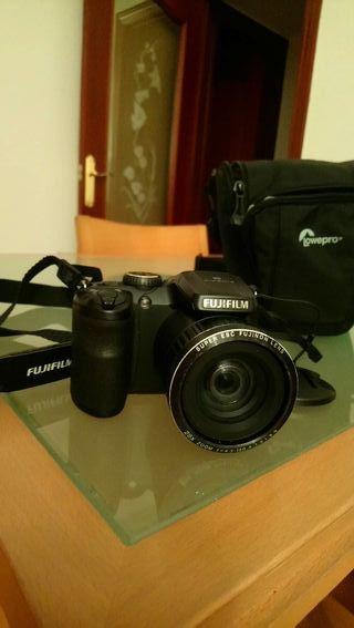 Fujifilm Cámara Digital con funda