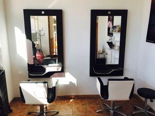 Mobiliario de peluquería semi nuevas