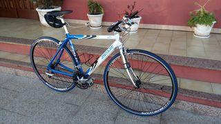 bicicleta carretera tipo híbrida Talla M