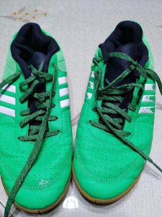 Zapatillas Adidas unisex nú 38 puestas una vez