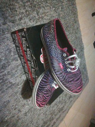 zapatillas Van's leopardo violeta