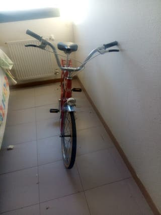 bicicleta BH roja