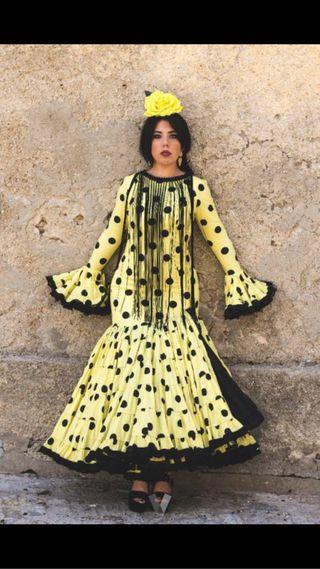eb8336db9 Traje flamenca de segunda mano en la provincia de Girona en WALLAPOP
