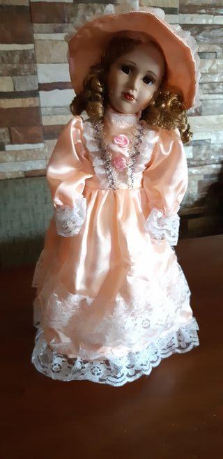 muñeca de porcelana,