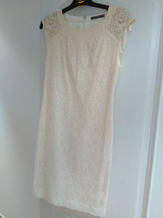 Vestido encaje blanco roto con abalorios 38