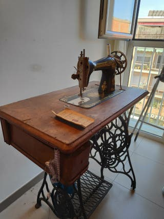 Maquina de coser SINGER año 1923