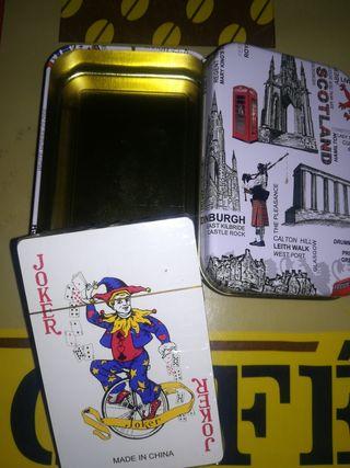 Baraja + caja.