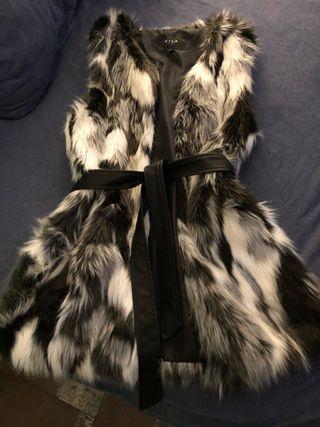 Chaleco Negro blanco con cinturón