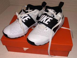 Zapatillas Nike niño de segunda mano por 22 € en Tortosa en