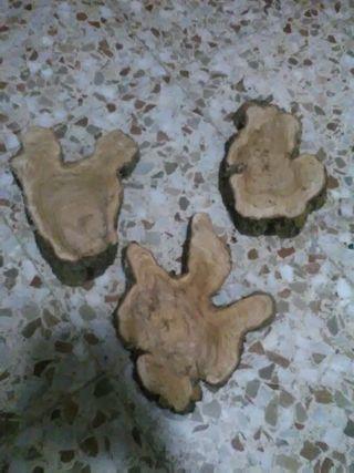 figuras o adornos de madera de olivo