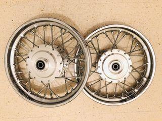Llantas 10 para KTM 50cc mini. A estrenar.