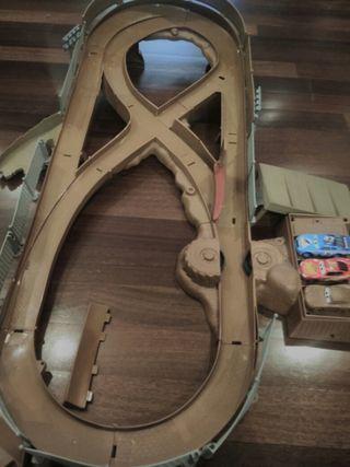 Circuito Cars choca Cars Rayo McQueen