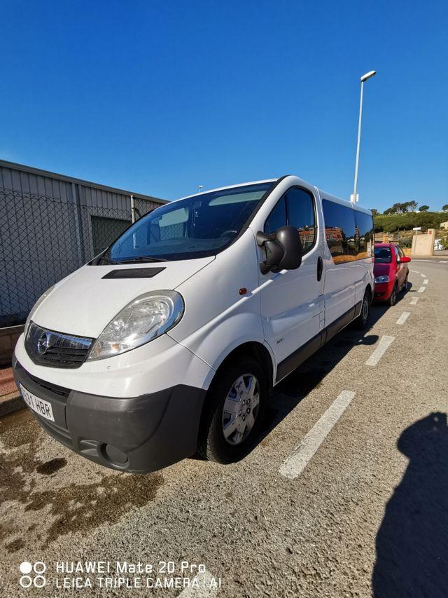 Opel Vivaro 2011