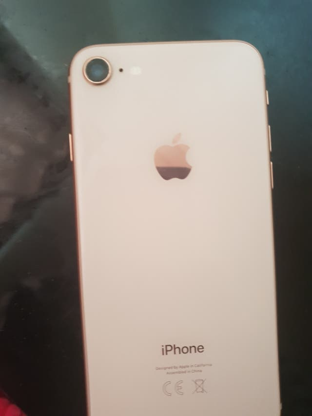 iPhone 8 64gb o2