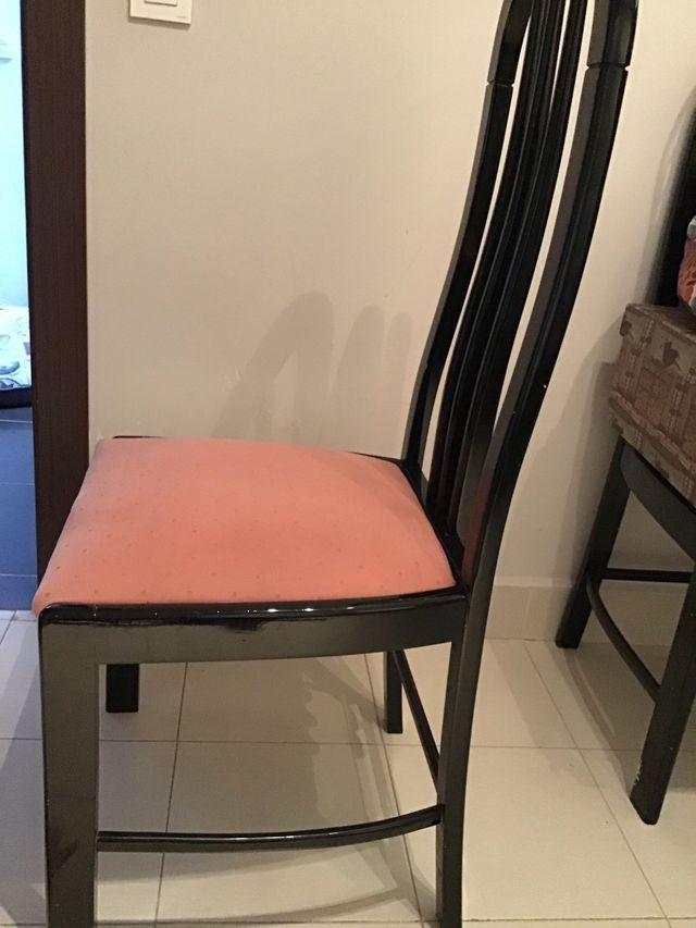 5 sillas de madera