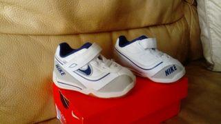 Por Negociable Nike De Zapatillas 10 Mano Número 18 Segunda Bebé 3LqASRj5c4