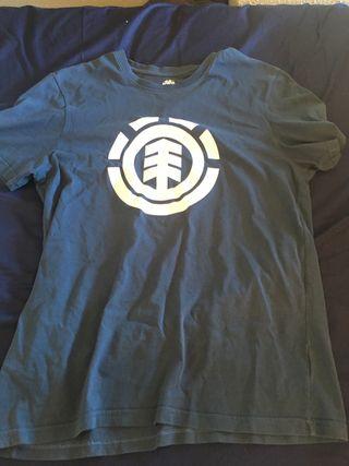 Camiseta element.