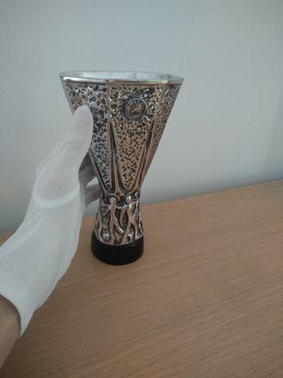 Trofeo copa Europa league. Uefa. Madrid, Sevilla..