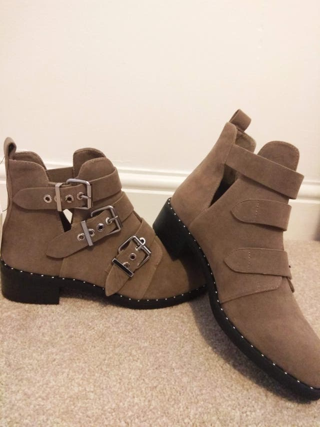 Brand new boots (size 5)