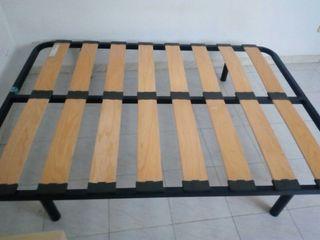 Somier cama de matrimonio con patas 1.90m x 1.35m