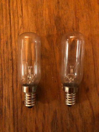2 bombillas campana extractora , frigo, luz calida