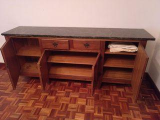 Aparador de madera maciza con encimera de marmol