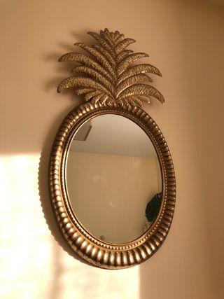 Espejo dorado piña