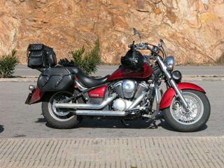 Motocicleta Kawasaki VN 900 Classic Roja