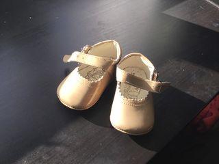 Zapatos bebé talla 16