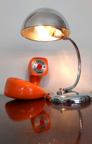 Pequeña antigua lámpara escritorio cromada