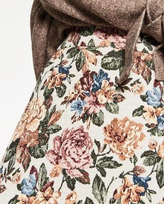 Falda tapicera flores zara