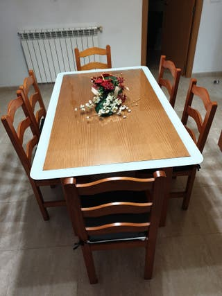 Mesa comedor con sillas de segunda mano en WALLAPOP