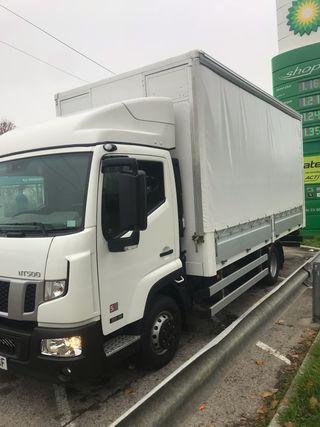 Camion Nisan NT500