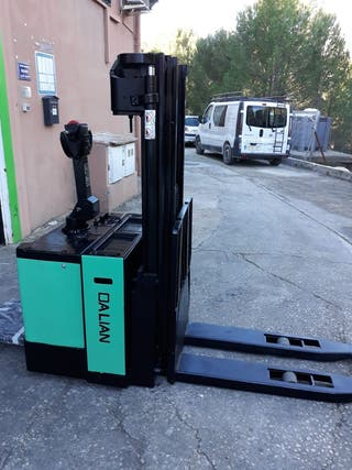 Apilador 3900mm 1500kg