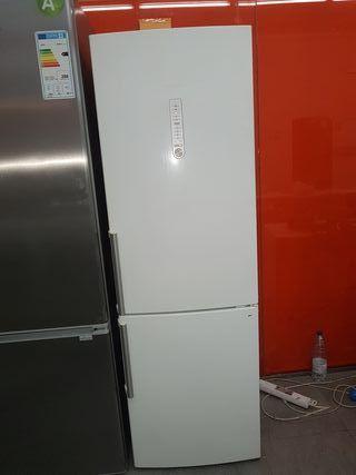 Frigorífico Siemens 1.85x60