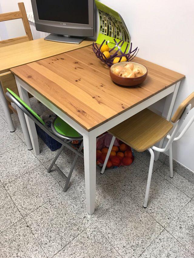 Mesa de cocina IKEA second hand for 60 € in Andorra La Vella in WALLAPOP