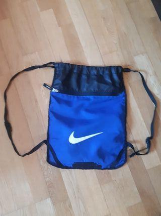 Nike mochila 3 compartimentos, usada